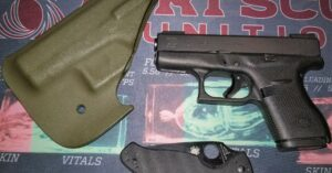 #DIGTHERIG – Brian and his Glock 42 in a Vedder Holster
