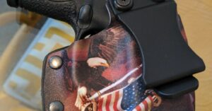 "#DIGTHERIG – Brandon and his Smith & Wesson M&P Shield in a Custom ""Freedom"" Holster"