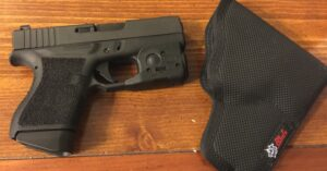#DIGTHERIG – Bo and his Glock 43 in a DeSantis Holster (Temporarily)
