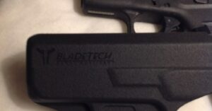 #DIGTHERIG – Scott and his Glock 42 or 43 in a Bladetech Holster