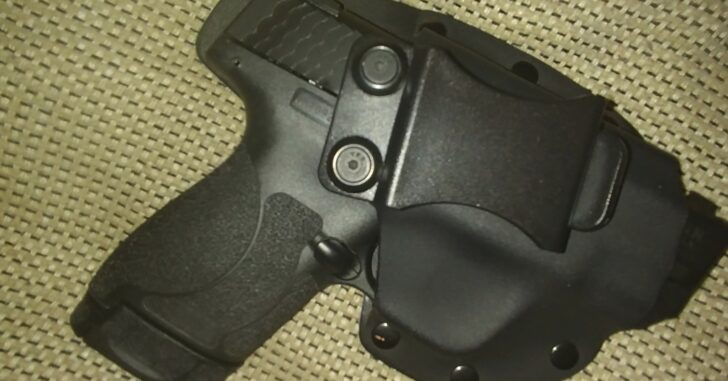 #DIGTHERIG – Brandon and his Smith & Wesson M&P Shield M2.0 in a Custom Holster