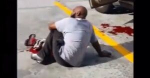 [VIDEO] Armed Robber Shot By Concealed Carrier He Just Tried To Rob, Witnesses Tell Him To Put Pressure On Wound