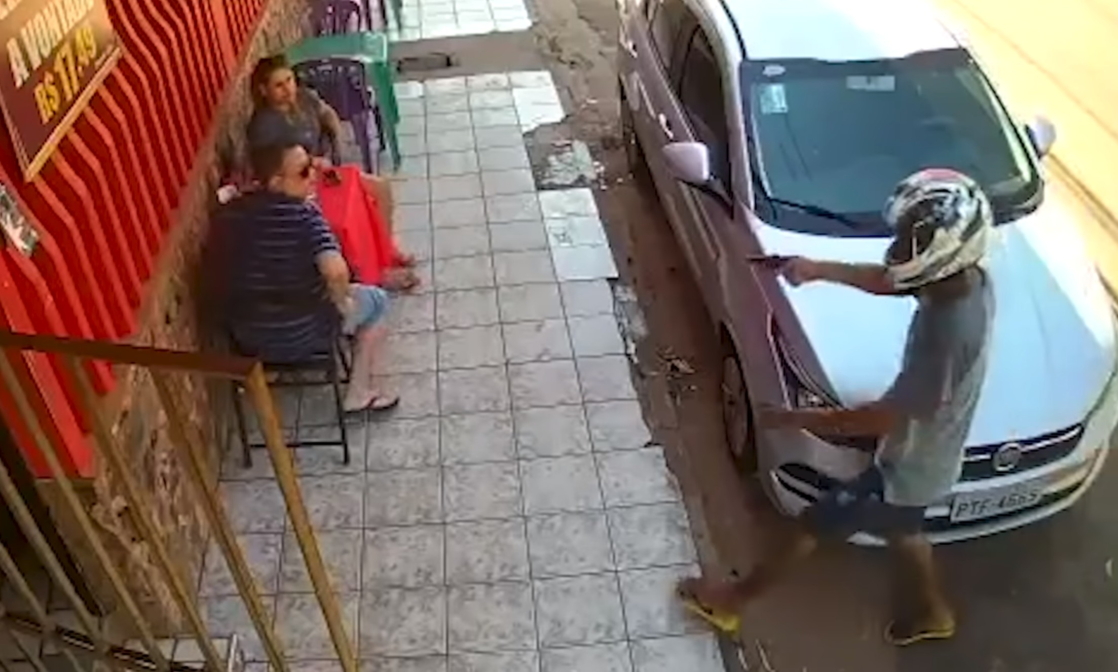 [VIDEO] Armed Criminal Is No Match For His Two Targets