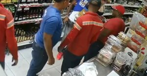 Armed Robber Gets Seriously Beat Up After 4 Intended Victims Fight Back