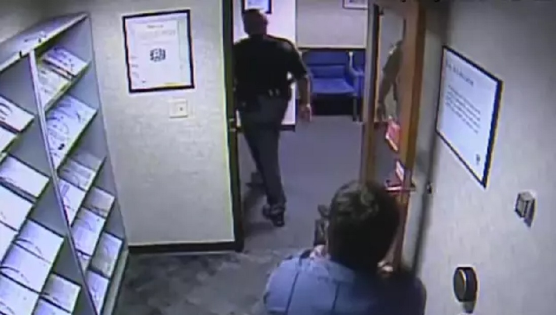 Video Uniformed Cop Nearly Gunned Down By Security Guard -7834