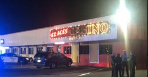 Man In Casino Brutally Attacked And Robbed, But He Has A Gun And Wins The Jackpot
