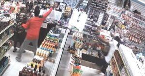 1 Clerk, 1 Customer, 2 Armed Thugs, 1 Armed Store Owner