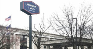 Thieves Threaten Hotel Clerk With Bolt Cutters, Clerk Pulls Out Gun And Fires
