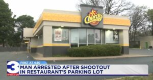 Chicken Fried Shootout: Angry Customer Leaves Chicken Restaurant And Returns With Gun, Gets In Shootout With Employee