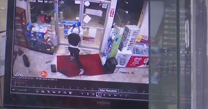 Gas Station Robbery Finds 4 Armed Men Against 1 Armed Clerk. Clerk Wins.