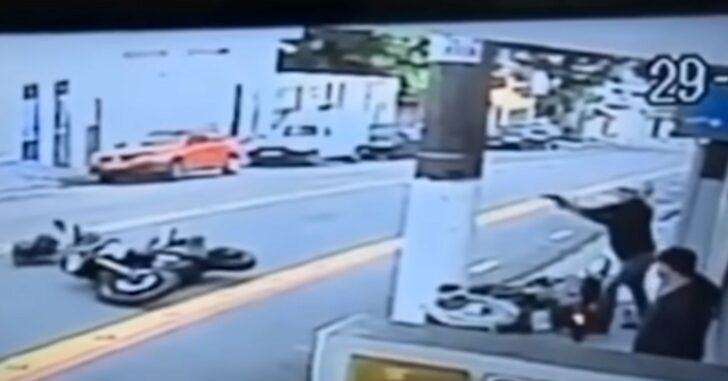 2 Armed Robbers On A Motorcycle Tried Robbing A Guy On Another Motorcycle. That Guy Was Also Armed, And Made Quick Work Of The Robbers.