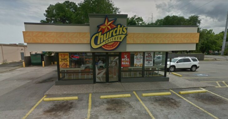 TEXAS: Armed Customer Shoots 2 Of 2 Armed Robbers At Fried Chicken Restaurant, 1 Dies And The Other Lives To Regret His Life Choices