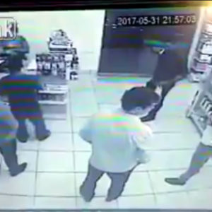[VIDEO] Thug Tries To Rob Store Where Every Person Inside Was Armed